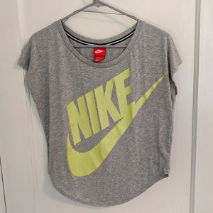 Nike Grey Crop Top (Size x-small)